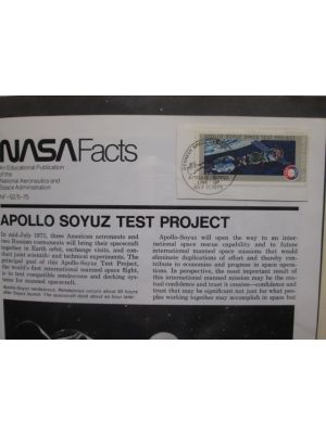 APOLLO - SOYUZ Very attractive collection of some 200 special Apollo - Soyuz commemorative covers as well as scores of special cancels, some used for mere hours on the occasion, from around the world housed in three volumes, VERY FINE (We scanned only one