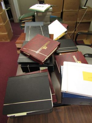 HUGE 25 VOLUME COLLECTION OF MANY THOUSANDS - 408370